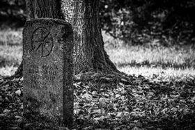 墳墓,墓碑,夜遊(圖/翻攝自pixabay)