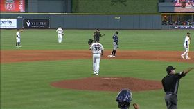 ▲韋蘭德(Justin Verlander)不滿好壞球被趕出場,5.1局送出4K仍居三振王。(圖/翻攝自MLB官網)