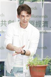 溫昇豪出席芙彤園洗沐產品記者會。(圖/記者林士傑攝影)