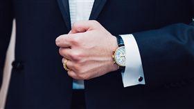 手錶,客戶,談公事,西裝/pixabay