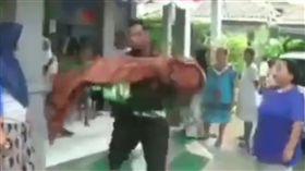印尼,救護車,溺斃,拒載。(圖/翻攝自ig)