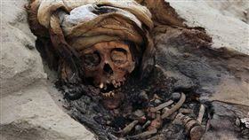 祕魯現肉體獻祭!227童被殺「對抗惡劣天氣」…最小4歲(圖/翻攝自推特)