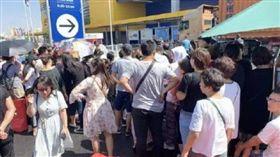 會員日取消!中國人包圍IKEA喊:騙子…隔天開幕卻爆滿(圖/翻攝自微博)