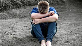憂鬱症,哭泣,壓力,男孩(圖/翻攝自Pixabay)