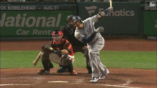 ▲馬查多(Manny Machado)炸裂邦加納(Madison Bumgarner)。(圖/翻攝自MLB官網)
