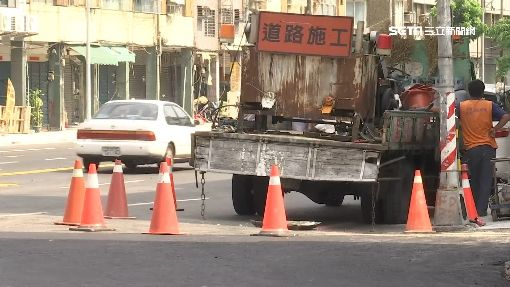 施工封路沒通知!住戶繞路怒找垃圾車