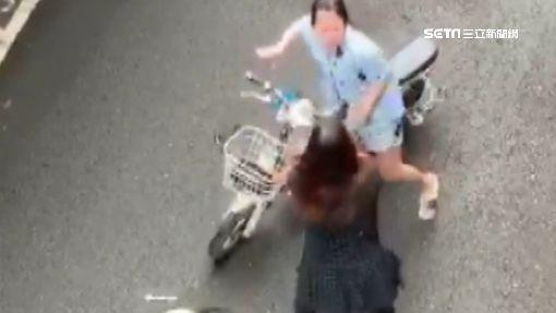 「別亂停車講不聽」 工廠女舍監與女移工扭打
