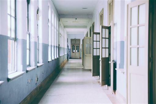 學校 pexels