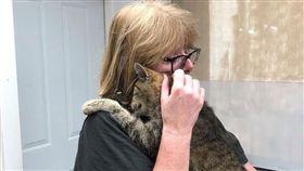 愛貓走失…11年後奇蹟重逢!秒認出主人「飛撲抱緊」(圖/翻攝自《Dutchess County SPCA》)