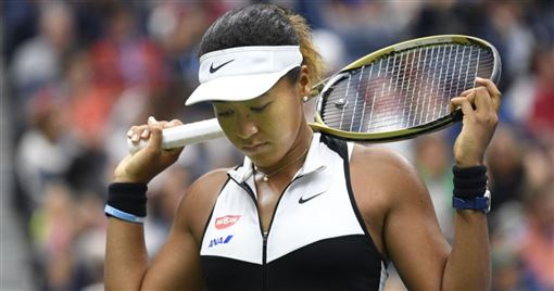 衛冕的現任球后大坂直美(圖)2日敗給瑞士籍13種子班西琪,在美國網球公開賽止步16強。(圖/twitter.com/WTA)