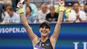 瑞士籍網球好手班西琪(圖)2日在美國網球公開賽拍下現任球后大坂直美晉級8強。(圖取自twitter.com/WTA)