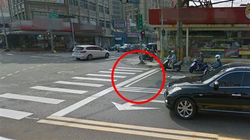 盲區,停車區,待轉區,轉彎車,視線死角(圖/翻攝自google map)