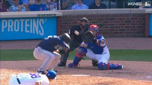 ▲小熊投手威克(Brad Wieck)曲球軌跡超離奇。(圖/翻攝自MLB官網)