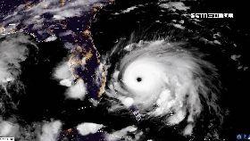 颶風直撲美1200