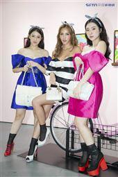 魅力女神拐拐攜手高人氣的夢幻甜美網紅呂妍芯、Ines Wang一起玩穿搭。(圖/記者林士傑攝影)