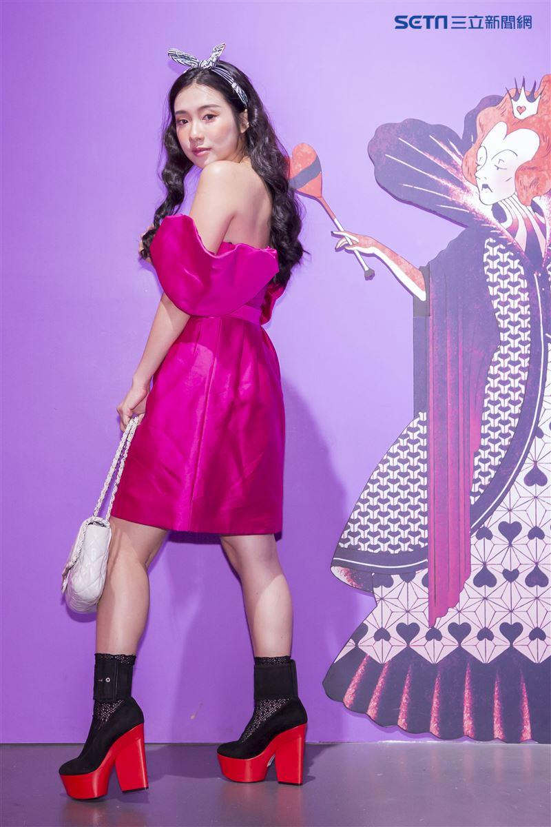 魅力女神拐拐攜手高人氣的夢幻甜美網紅呂妍芯、Ines Wang一起玩穿搭,圖為呂妍芯。(圖/記者林士傑攝影)