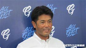 ▲日本隊監督稻葉篤紀訪問新莊球場。(圖/記者蕭保祥攝影)