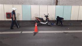 台北,林森南路,地下道,車禍(圖/翻攝畫面)
