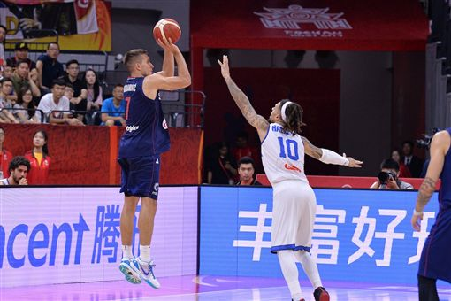 世界盃/30+5+5!波格丹創歷史FIBA世界盃,塞爾維亞國家隊,Bogdan Bogdanovic翻攝自推特