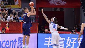 世界盃/30+5+5!波格丹創歷史 FIBA世界盃,塞爾維亞國家隊,Bogdan Bogdanovic 翻攝自推特