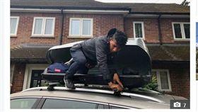 英國老夫婦渡假返家,發現車頂廂上多出一名非法移民。(圖/翻攝自太陽報)