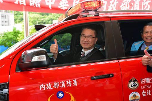 徐國勇出席獅子會捐贈災搜車,內政部提供