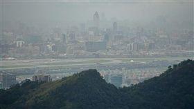 高污染,暴露,老年性黃斑部病變,一氧化碳,二氧化氮