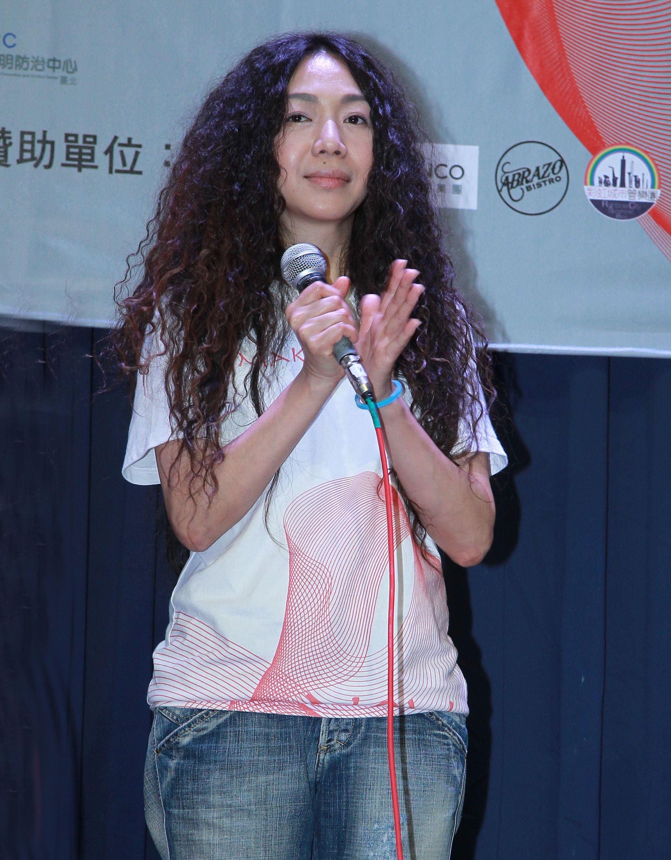 萬芳參加「第二屆愛之日常音樂節」演出。(記者邱榮吉/攝影)