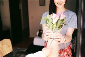 送禮,送花,致歉,祝賀(示意圖/翻攝自pixabay)