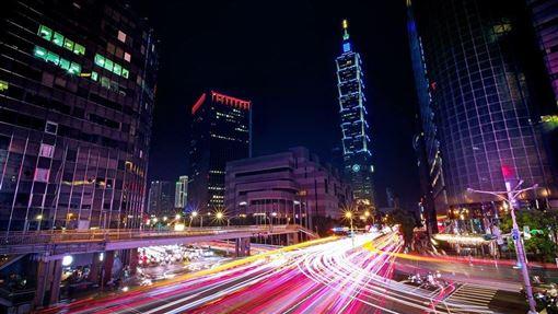 儘管美中貿易戰帶來極大的不確定性,台灣主計總處8月中旬逆勢上修2019年經濟成長率至2.46%;第2季經濟成長率2.40%,高居亞洲四小龍之冠。(示意圖/圖取自Pixabay圖庫)
