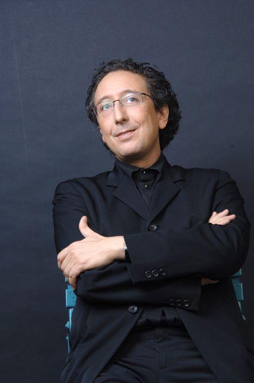 法鋼琴王子路易沙達將來台舉行獨奏會法國鋼琴家尚-馬克.路易沙達(Jean-Marc Luisada)將來台舉行獨奏會,路易沙達生於北非突尼西亞,1985年蕭邦鋼琴大賽拿到第5名,媒體因他酷似「披頭四」約翰藍儂的外型,暱稱他為「法國鋼琴王子」。(鵬博藝術提供)中央社記者趙靜瑜傳真  108年9月8日