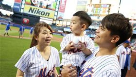 蔡阿嘎、蔡桃貴美國紐約大都會開球 圖翻攝自蔡阿嘎臉書