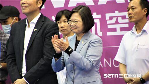 總統蔡英文蒞臨台北羽球公開賽為周天成打氣。(圖/記者劉家維攝影)