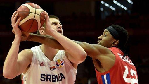 世界盃/球星噴裁判遭驅!主帥:愚蠢FIBA世界盃,塞爾維亞國家隊,Nikola Jokic翻攝自推特