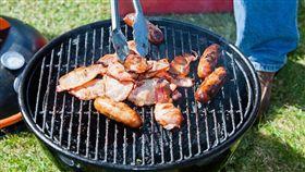 素食女聞烤肉香 控鄰「蓄意烤肉」!網怒揪2千人烤給她看(圖/翻攝自Pixabay)