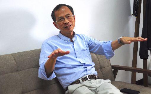 曾鈺成分析反送中抗爭及一國兩制問題香港立法會前主席曾鈺成表示,「普選無望」和「社會不公」是這次「反送中」抗爭迅速爆發的核心原因,港府應成立獨立調查委員會,反思一國兩制下的管治問題。圖攝於8月26日曾鈺成辦公室。中央社記者沈朋達攝 108年9月9日