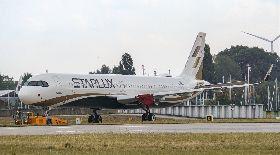 星宇首架飛機完成塗裝  10月底前回