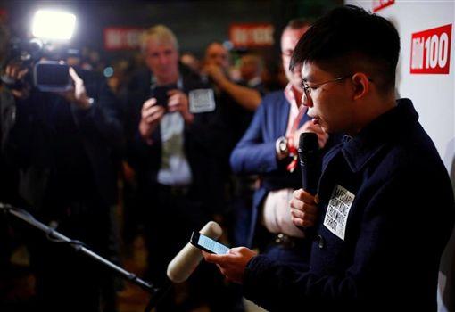 香港眾志祕書長黃之鋒在德國一場人權活動上發言時指香港是「新柏林」,是自由世界抵抗中共獨裁管治的橋頭堡。(圖取自黃之鋒臉書facebook.com/joshuawongchifung)