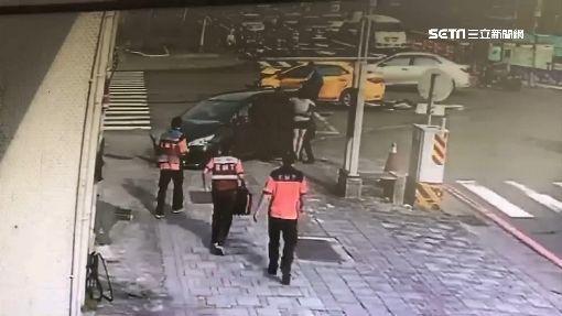 消防隊前「兩車碰撞車頭毀」 消防人員衝出秒救援