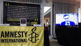 國際特赦組織公布菲律賓掃毒戰調查報告國際特赦組織8日公布菲律賓掃毒戰調查報告,東亞及東南亞地區分部主任林偉(Nicholas Bequelin)透過視訊發言。中央社記者陳妍君馬尼拉攝 108年7月8日