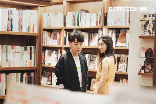 吳青峰<太空人>MV張鈞甯林柏宏合作 環球音樂提供