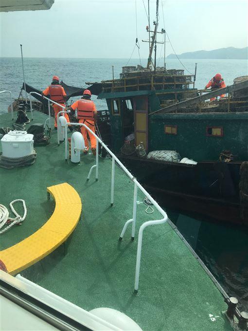大陸漁船,非法越界,海巡,裁罰,驅離出境(圖/馬祖海巡隊提供)