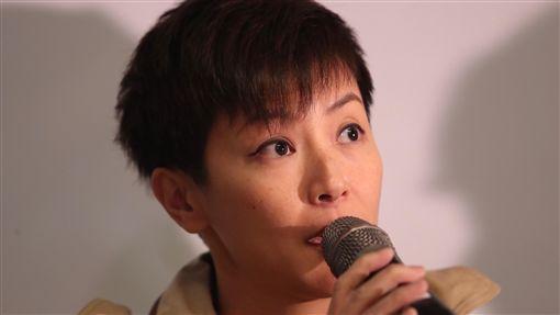 音樂人呼籲聲援929台港大遊行記者會(2)為聲援香港反送中運動,多個民團將於29日舉辦「929台港大遊行:撐港.反極權」行動,12日舉辦記者會,香港歌手何韻詩(圖)出席呼籲民眾支持。中央社記者吳家昇攝  108年9月12日