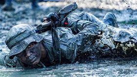 IPA國際攝影大賽,攝影界奧斯卡,許明忠,海軍陸戰隊訓練,得獎名單(圖取自IPA國際攝影獎網頁photoawards.com)