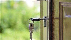 「要看管路」房東硬讓陌生人進房 房客怒轟:安全感都沒了(圖/翻攝自Pixabay)
