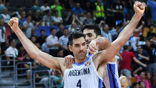 ▲史柯拉(Luis Scola)攻下全場最高28分13籃板,率阿根廷前進冠軍戰。(圖/達志影像)