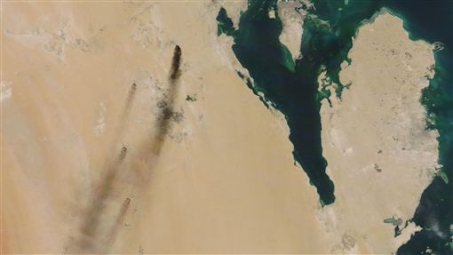無人機攻擊!葉門叛軍襲沙國石油設施 衝擊近半原油生產圖/美聯社/達志影像