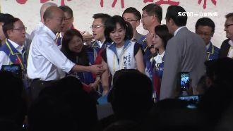 馬英九被同框!韓國瑜兩度握手遭忽視