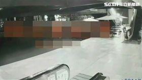 台北市陳姓男子在中山地下街縱火燒毀休閒椅遭逮(翻攝畫面)