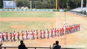 ▲中國隊與台灣中華隊賽後握手。(圖/記者蕭保祥攝影)